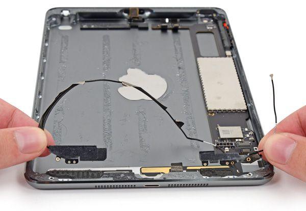 Планшет Apple iPad mini с дисплеем Retina Display получил два из десяти баллов за ремонтопригодность