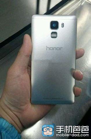 Huawei Honor 7 Plus получит экран разрешением 2К