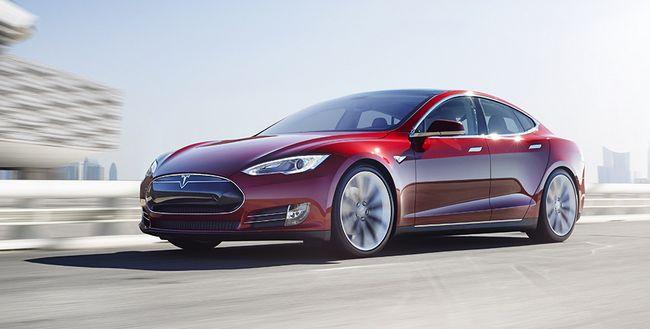За полгода Tesla планирует поставить на рынок столько же электромобилей, сколько за весь 2015 год