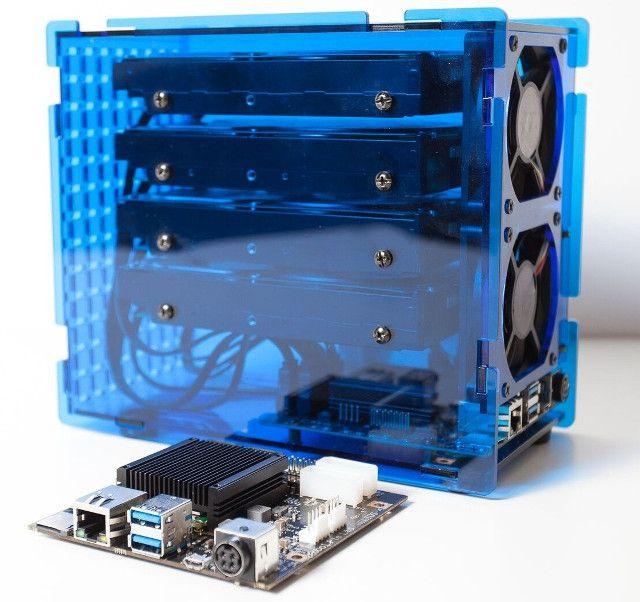 Хранилище Kobol Helios4 допускает создание массивов RAID 5 и 6