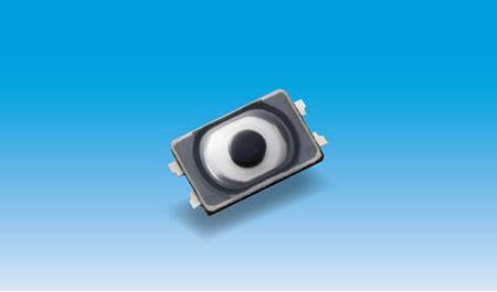 Кнопка, рассчитанная на поверхностный монтаж, предназначена для мобильных и носимых устройств